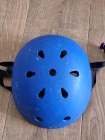 Children's skateboard style helmet