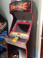 Arcade with 600+ games