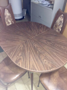 Vintage Kitchen Table with 4 Chairs