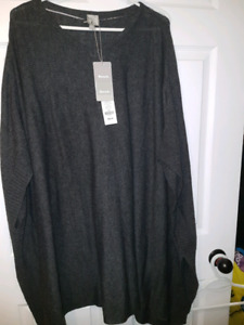 Bench poncho nwt large