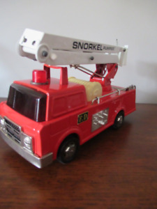 RARE VINTAGE COLLECTIBLE CLOVER FIRE TRUCK (Made in Korea)