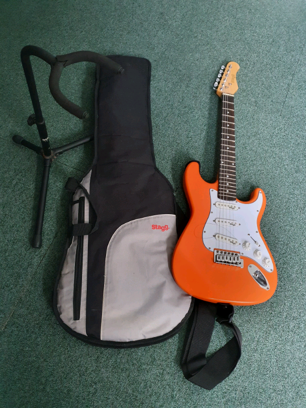 3 4 Electric Guitar Bag Picks Amp Stand In Sheerness