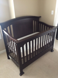 Never Used Baby Cache Windsor Lifetime Crib - Espresso