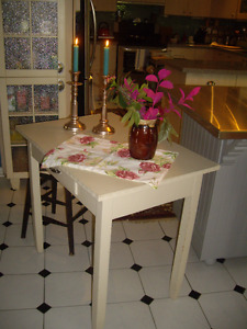 VINTAGE SMALL SERVICE/ DINING TABLE