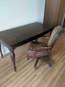 Beautiful desk and matching chair for sale!