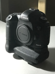 Canon EOS 5D Mark III Camera with Grip