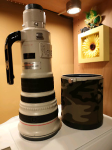 Canon EF500mm f4 L IS telephoto lens