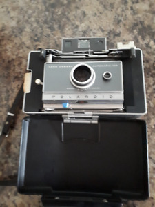 Vintage Polaroid 1960's Land Camera Automatic 100