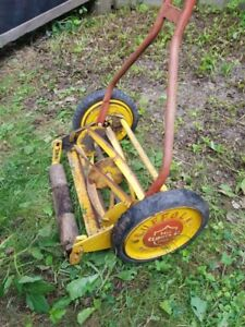 Vintage/Antique Suffolk Lawn Mower/Clipper