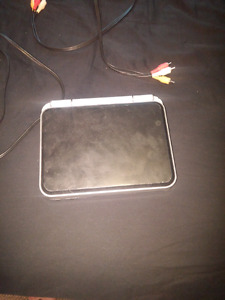 Portable dvd player 20$