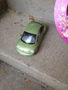 GREEN BUG BEETLE CAR /TOYS