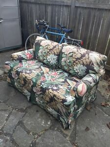 Free Ethan Allen couch - no bed bugs