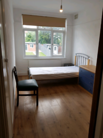 Large Single Room To Let Wembley Park (Bills & Wi fi included)