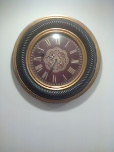 Wall clock with battery