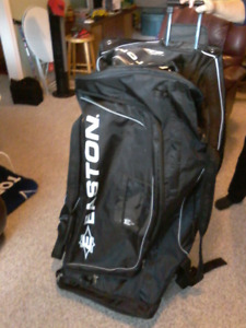 Large Easton Hockey Bag With Wheels and Pull Handle