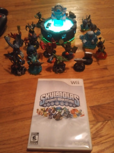 Wii SkyLanders portal, figures, and CD