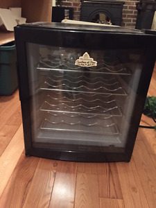 Wine Fridge Cooler - Excellent Condition