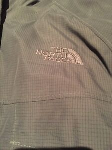 Woman's North Face Winter jacket XL grey like new Kitchener / Waterloo Kitchener Area image 4