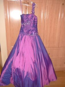 Robe de graduation ou de bal / Ball gown