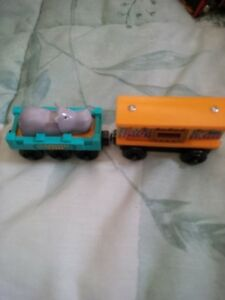 Thomas the Tank Engine wooden zoo and Hippo cars