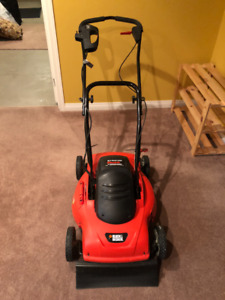 Black & Decker 18 inch Electric Lawn Mower