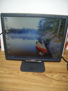 17 inch Acer lcd monitor for sale