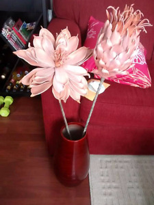 For sale beautiful flowers and vase $30