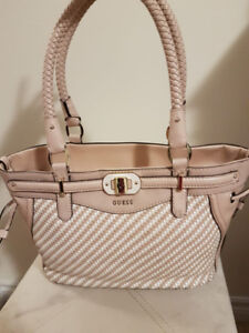 Authentic Guess Purse in good condition