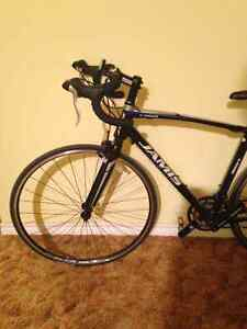 Only used two months nice road bike for sale Regina Regina Area image 2
