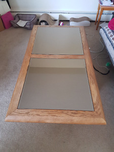 mirror coffee table in great condition