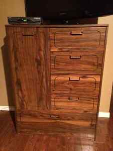 Bedroom dressers and 2 night stands