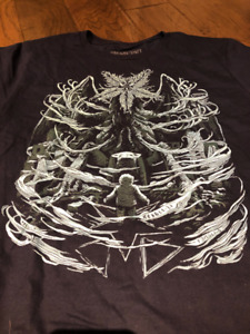 """H.P. Lovecraft """"At the Mountains of Madness"""" Loot Fright T-Shirt"""