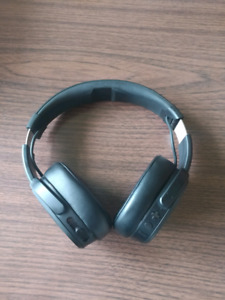 Skullcandy Skullcrusher BT headphones