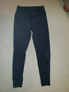 Womens 2XU compression tights, size small