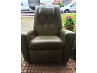 Niagara massage chair, excellent condition. Delivery