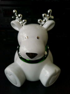 Slatkin & Co. Christmas Reindeer Candle Discontinued