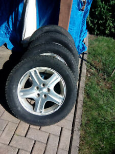 Michelin Xi3 snow tires 215/60 R16