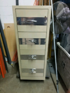 "4 Drawer fireproof cabinet safe, Coffre-fort. 31.5""x21.2""x56"""