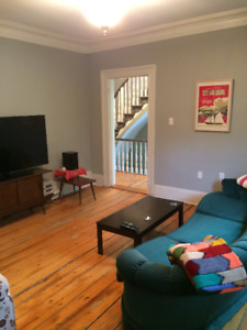 1 Bedroom Available in Downtown 2-Storey Flat for Nov 1