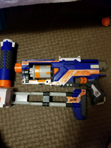 Nerf Gun Spectre Rev-5 with accessories.
