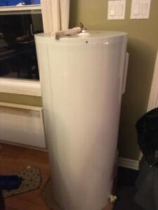 Tank à eau chaude 38,5 Gallons
