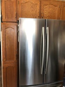 SOLID OAKWOOD KITCHEN CABINETS AND DRAWERS