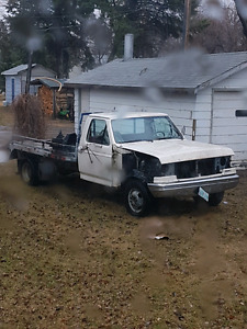 1991 ford f350 diesel dually 5pd  parts truck
