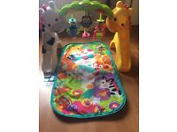 Rainforests playmat and gym fisher price