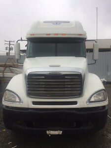 2007 Freightliner Columbia Truck for SALE
