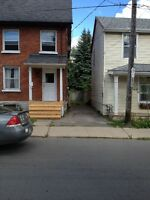 $1,350.00+Utilities 445 bagot st nov,1 in the heart of downtown