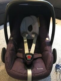Maxi cosi pebble car seat (Limited edition sparkling grape)