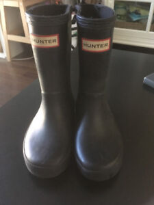 Toddler Hunter boots size 9