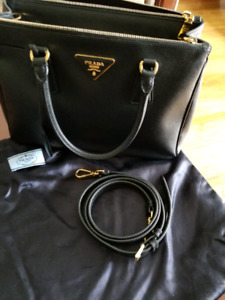 Prada Saffiano Medium