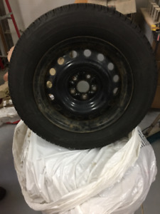 4 Michelin X-Ice Winter Tires 195/65 R15 on rims